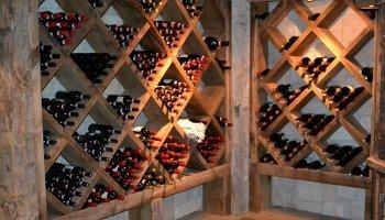 Винотека из сосны